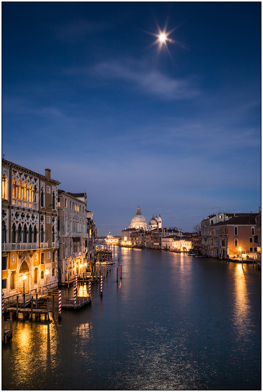 Moon-over-Grand-Canal